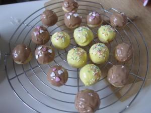 Fertige Cake Balls