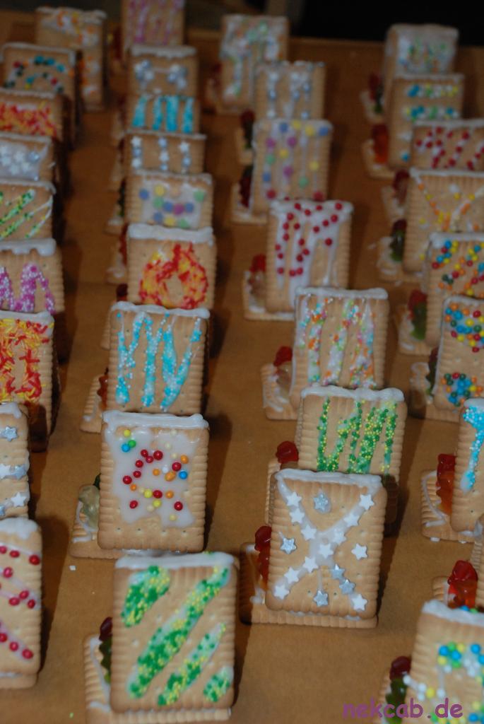 Lebkuchenhaus aus Butterkeksen - nekcab